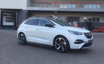 Sondermodell Irmscher Opel Grandland X Black & White