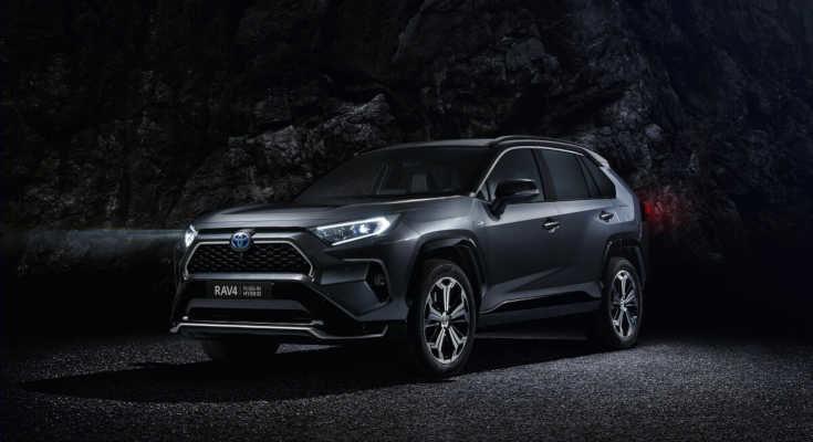 Toyota RAV4 Plug-in-Hybrid: Kompakt-SUV ab Sommer 2020 mit Stecker